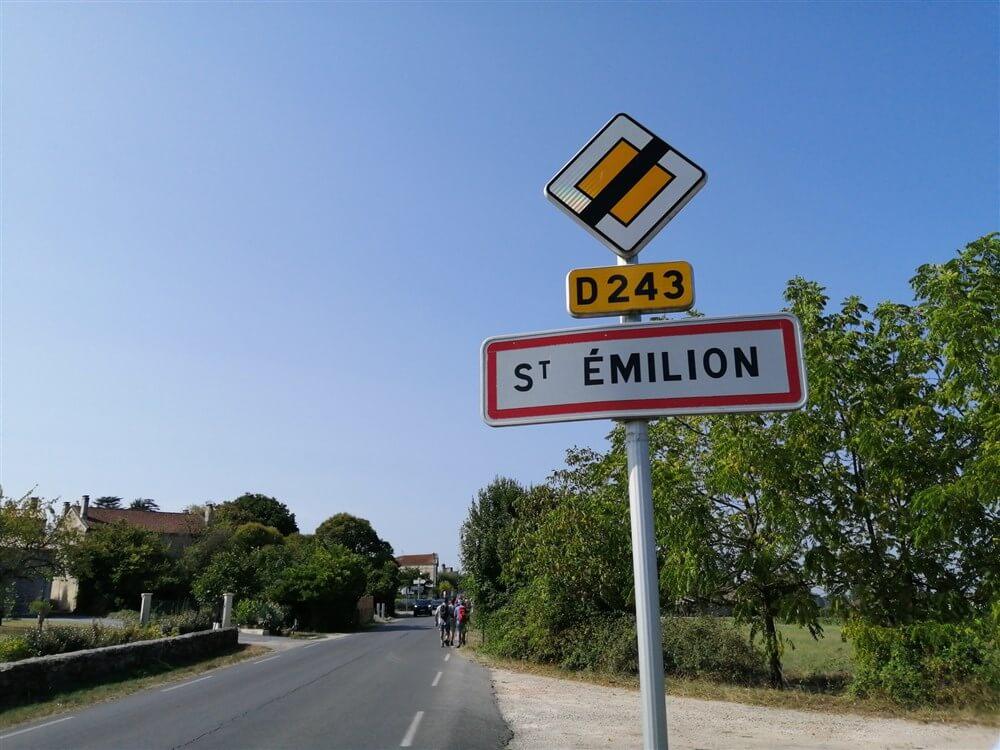 ST ÉMILION - entre vignes et châteaux.